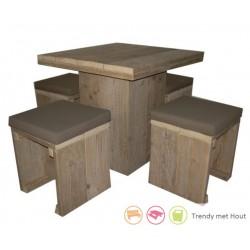 Steigerhouten-kinderset-bestaande-uit-4 krukjes-en-tafel